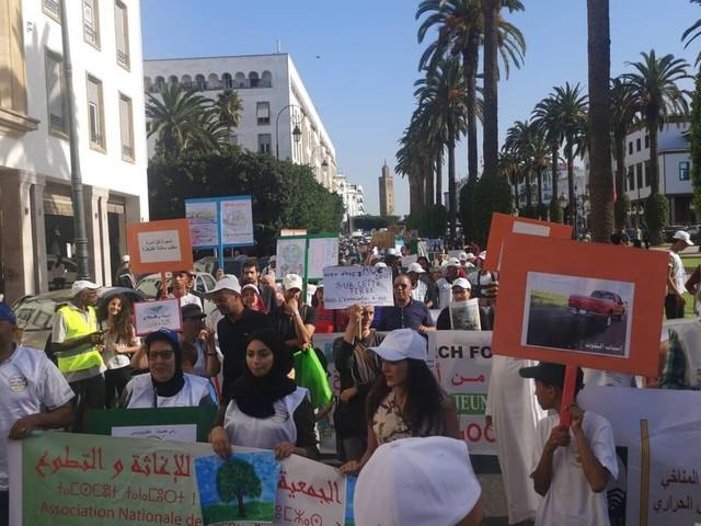 Des centaines de Marocains ont marché vendredi pour le climat