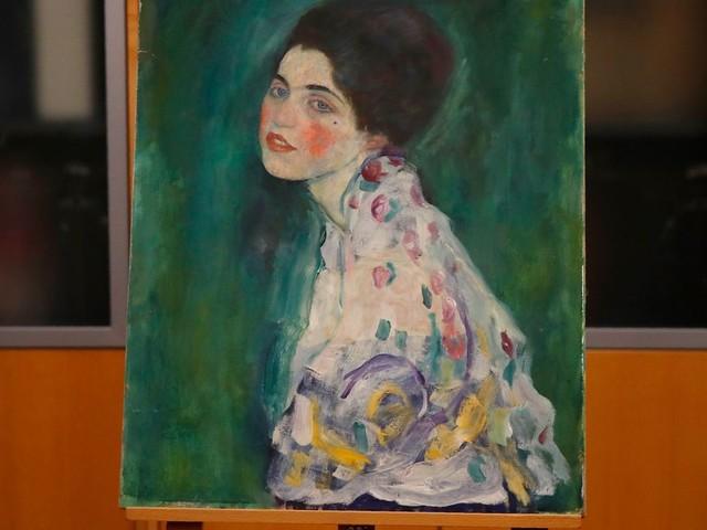 Le tableau retrouvé par hasard dans un sac poubelle en Italie est bien un Klimt