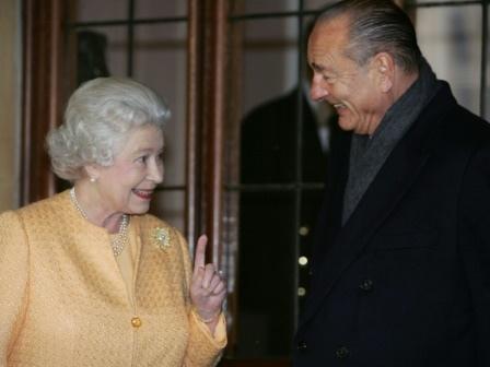 En 1995, Chirac suspend les essais nucléaires pour ne pas embarrasser Elizabeth II