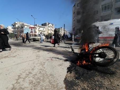 Syrie: 18 civils tués dans des frappes du régime dans le nord-ouest (ONG)