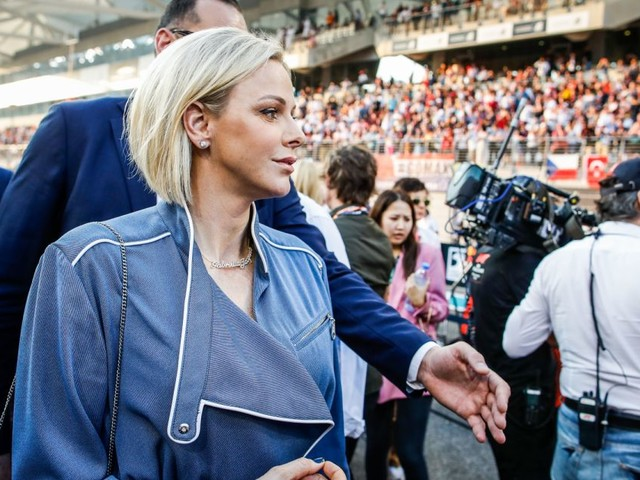 Charlene de Monaco : Supportrice royale en combinaison à Abu Dhabi