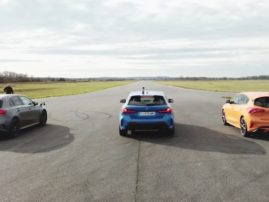 Voilà l'écart de performance entre une Mercedes-AMG A45 et une BMW M135i