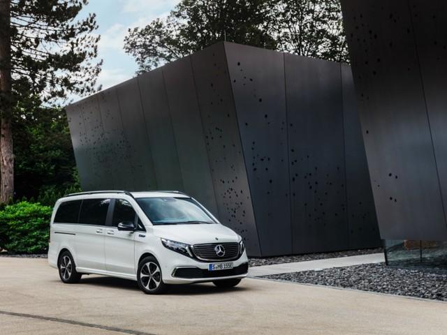 Mercedes officialise son premier van électrique : jusqu'à 8 passagers et 405 km d'autonomie