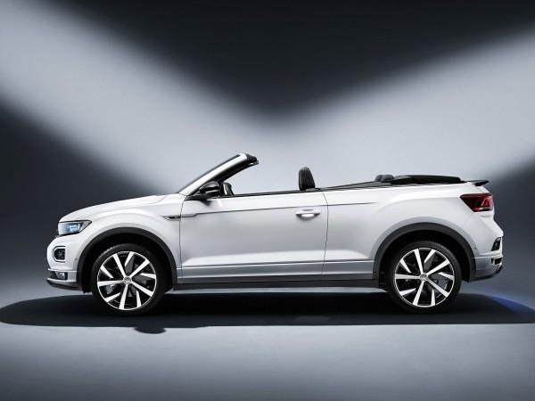Le Volkswagen T-Roc Cabriolet (2019) sort d'usine