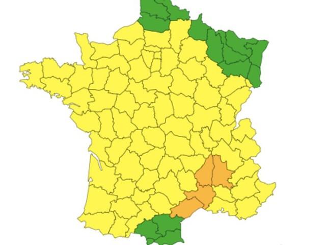 """Météo: Le Gard, l'Hérault, la Drôme et l'Ardèche en vigilance orange """"orages et inondations"""""""