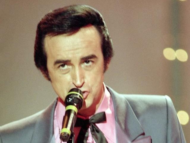 VIDÉO - Mort de Dick Rivers : des Chats sauvages à son duo avec Julien Doré, les 55 ans de carrière du rockeur en images