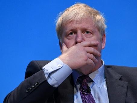"""Brexit: Boris Johnson reconnaît avoir besoin de la """"coopération"""" des Européens"""