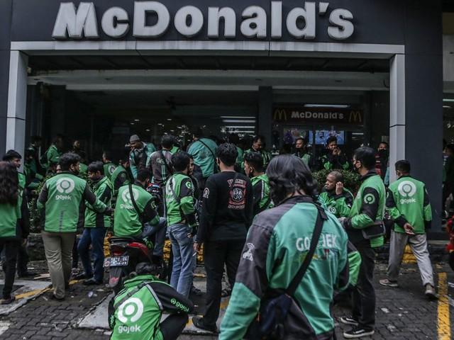 """En Indonésie, 13 Mcdo ferment à cause de la ruée sur le menu du groupe """"BTS"""""""