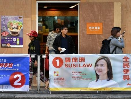 Elections locales à Hong Kong: les pro-démocratie veulent défier le pouvoir