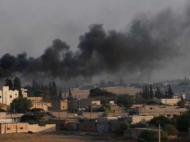 Un convoi de civils kurdes et de journalistes étrangers bombardé par l'armée turque en Syrie