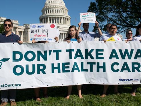 Gros coup dur pour Trump: le Sénat rejette la suppression partielle de l'Obamacare
