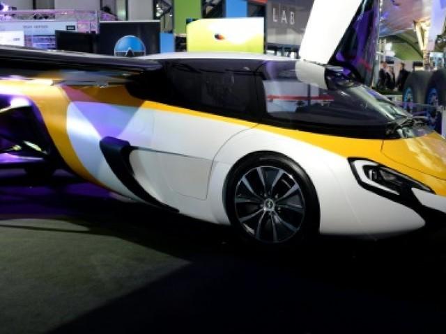 Les voitures volantes ont un avenir, mais lequel ?