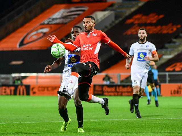 Ligue 2 J18 : Grenoble ramène un nul de Bonal, Lorient reprend la tête