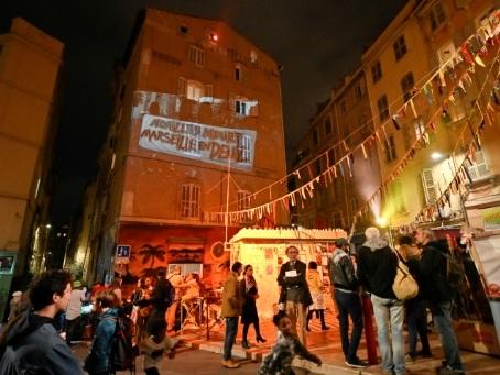A Marseille, le silence pour les victimes des effondrements de Noailles