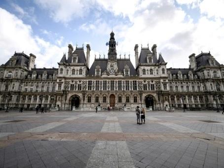 Municipales à Paris: un premier débat pour tenter de convaincre