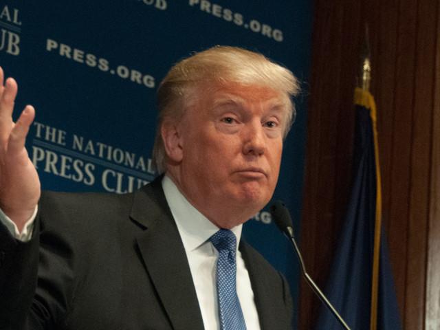 Après les promesses, Trump passe à l'attaque sur l'immigration