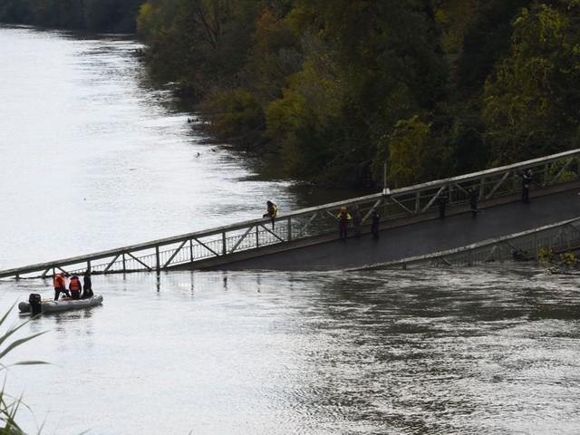 En images, l'effondrement mortel du pont de Mirepoix-sur-Tarn