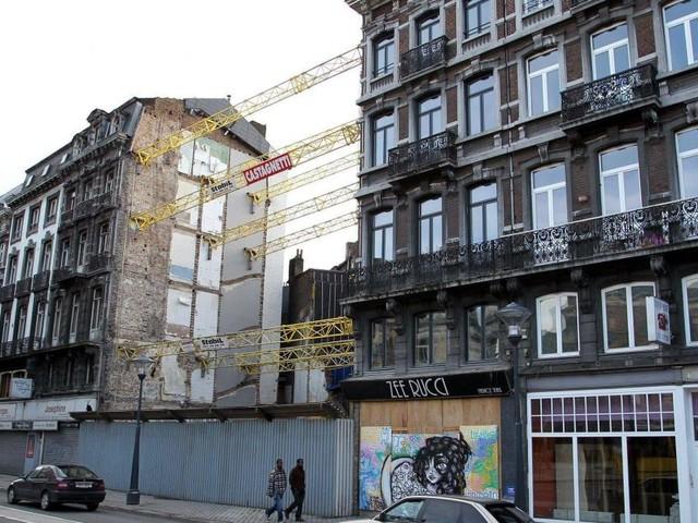 Quatre prévenus doivent répondre de 14 homicides et 19 coups et blessures involontaires lors de l'explosion de la rue Léopold à Liège