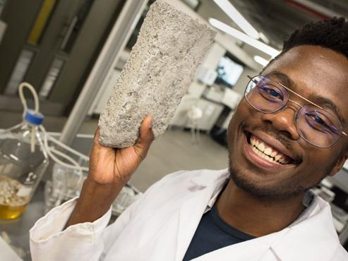 Première mondiale: des chercheurs sud-africains ont créé des briques à base d'urine humaine (photos)