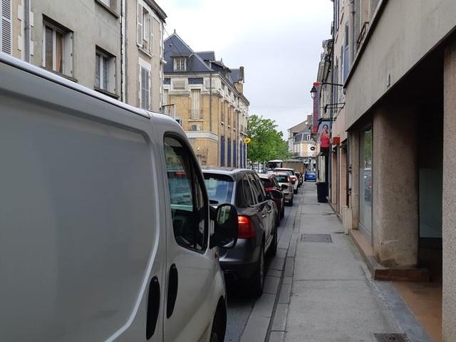 """""""On perd au moins 15 minutes de plus"""" : à Argenton-sur-Creuse, le système des feux rouges va être modifié"""