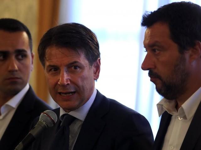 Après le drame, l'Italie décrète l'état d'urgence pour un an à Gênes