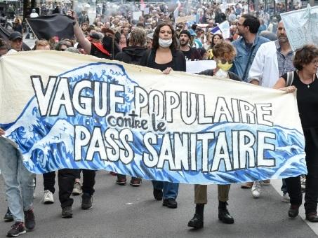 Pass sanitaire: nouveau samedi de mobilisation