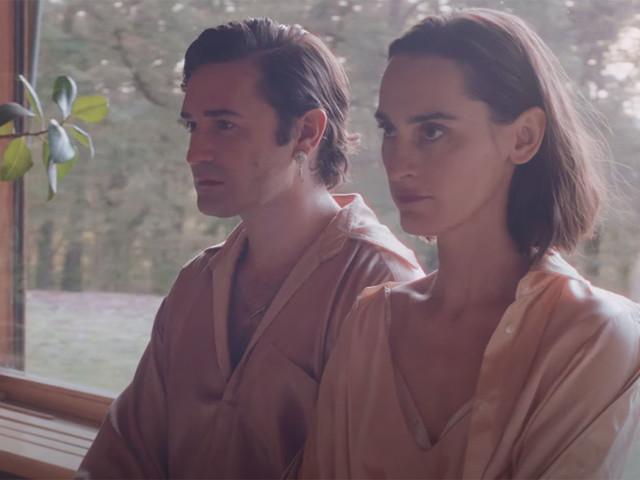 Yelle et Nicolas Maury jouent aux confinés dans le clip de « Vue d'en face»