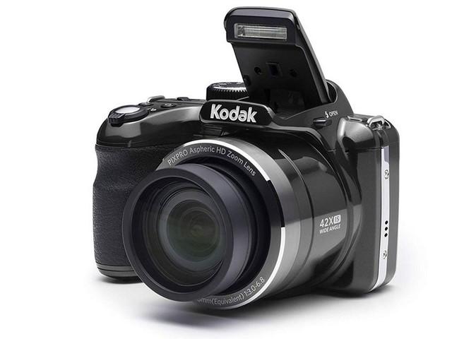 Cet appareil photo compact vous suivra partout pour immortaliser vos meilleurs moments