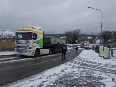 Un camionneur breton déstabilisé par la neige