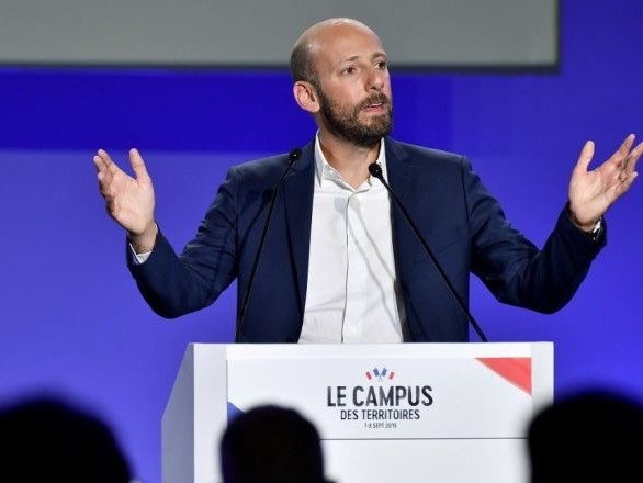 Une permanence de LREM de nouveau vandalisée à Paris
