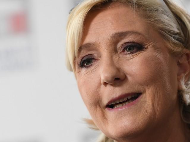 """Pour Marine Le Pen, Wauquiez a remplacé """"Dupond"""" par """"Dupont"""""""