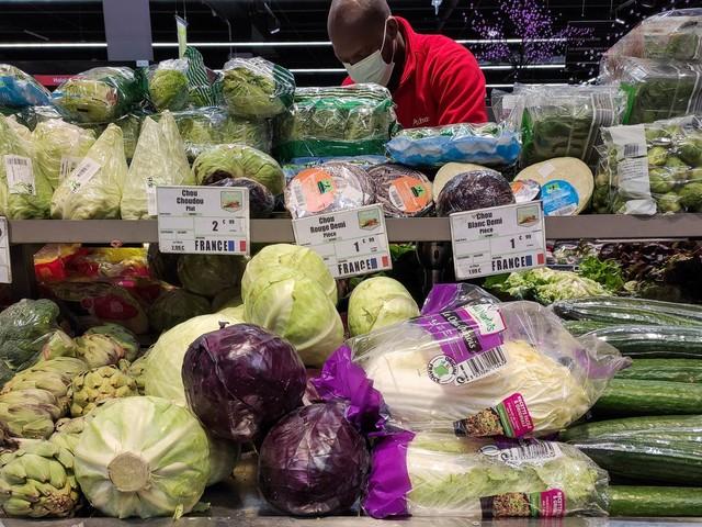 Quels sont les fruits et les légumes qui ne pourront plus être vendus sous plastique dès 2022 ?