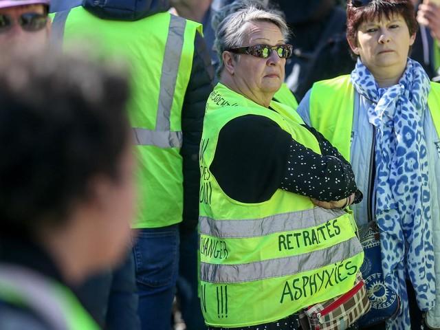 """""""Gilets jaunes"""" : retour sur cinq mois de crise en France"""