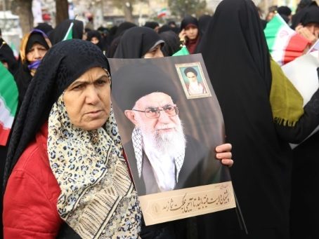 """Trump accuse Téhéran de chercher à dissimuler une """"tragédie"""""""