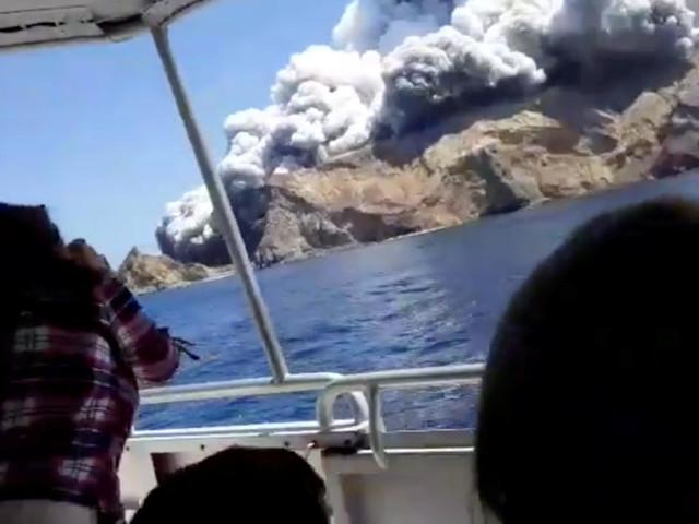 Lourd bilan humain en Nouvelle-Zélande après l'éruption d'un volcan