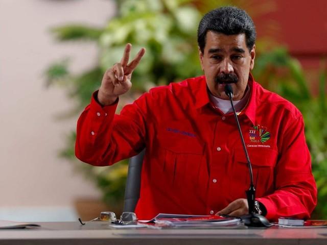 """Maduro accuse le président colombien de """"manoeuvrer"""" pour """"déclencher un conflit"""" avec le Venezuela"""