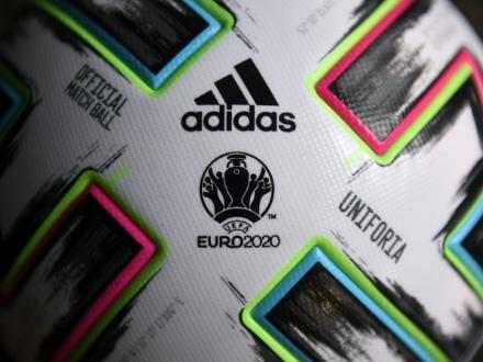 Coronavirus: un report de l'Euro-2020, éventualité risquée