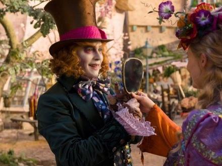 «Alice de l'autre côté du miroir» sur W9 : la suite du film de Tim Burton