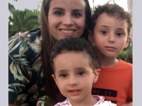 """""""J'ai le sentiment de ne pas avoir le droit de mourir"""": Najoua, maman de deux garçons autistes, raconte son combat"""