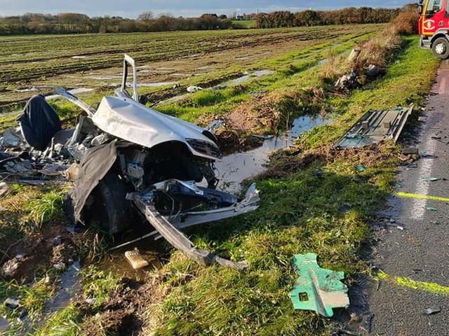 Finistère : deux frères et une sœur meurent dans un terrible accident de voiture
