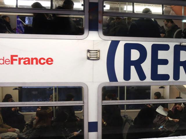 Reprise du trafic sur la ligne du RER A à Paris après trois jours de blocage
