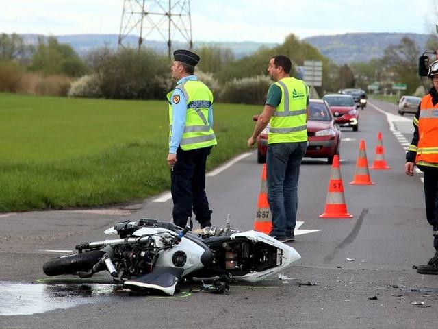 Accidents de motos en série en Pays de Savoie, un mort