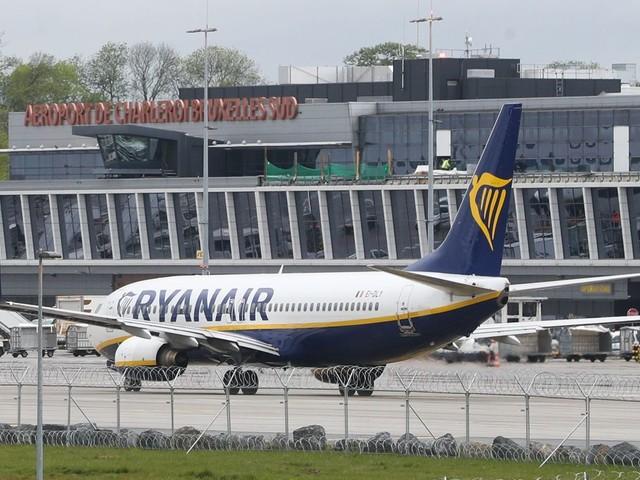 Des passagers bloqués pendant deux heures à l'aéroport de Charleroi