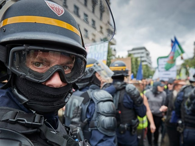 Les gilets jaunes ont-ils changé la façon de manifester en France?