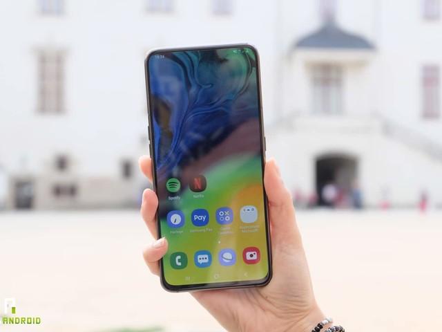 Test du Samsung Galaxy A80 : tu me vois, tu me vois plus