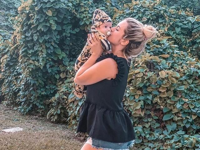 Carla Moreau (LesMarseillais AuxCaraïbes) partage une nouvelle photo de Ruby, un détail choque les internautes !