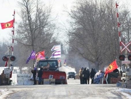 Canada: Trudeau durcit le ton face aux barrages ferroviaires des autochtones