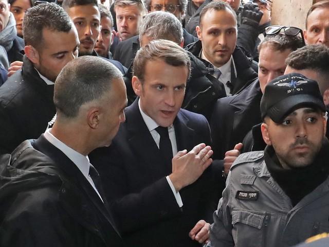 """""""Il a tout mon respect"""" ou """"c'est du théâtre"""" : le coup de colère d'Emmanuel Macron ne laisse pas indifférent les Palestiniens"""