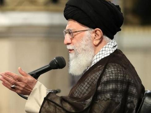 """Ali Khamenei: """"il n'y aura pas de guerre, ni de négociations avec Etats-Unis"""""""