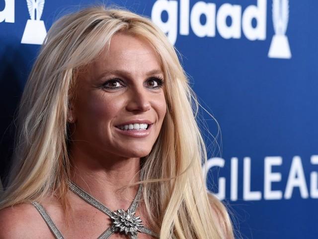 Le père de Britney Spears demande la fin de sa tutelle, officiellement